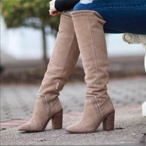 Vince Camuto Tall Suede Zip Up Boots boho size 5.0